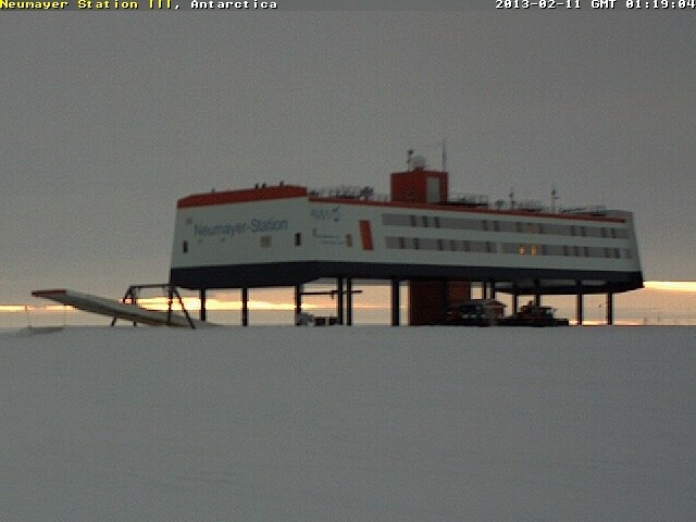 https://cam-earth.do.am/dir/antarctica_north_pole/antarctica/neumayer_station_iii_several_views/40-1-0-86