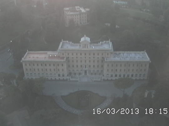 http://cam-earth.do.am/dir/europe/vatican_city/webcam_governatorato/118-1-0-479